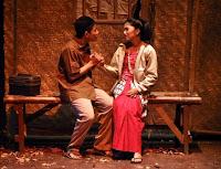 Drama adalah suatu bentuk cerita konflik sikap dan sifat manusia dalam bentuk dialog yang Pengertian, Jenis dan Unsur Drama