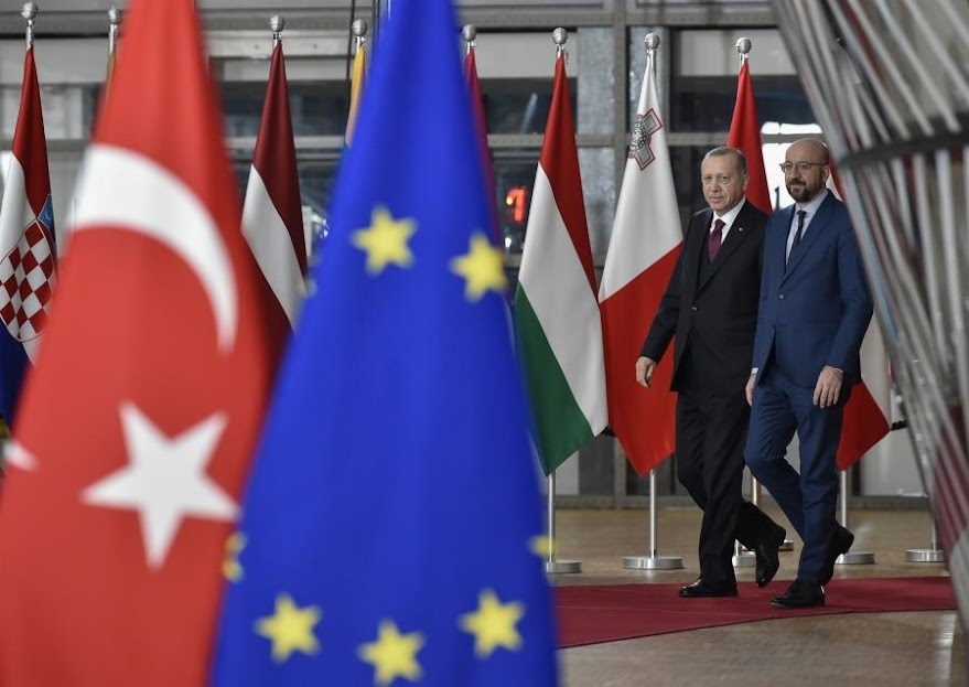 Η Τουρκία απαντά με «απειλητικό μήνυμα» στην αύξηση της πίεσης από ΗΠΑ, ΕΕ