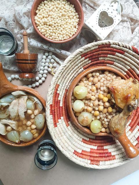 Lebanese couscous (Mograbieh)
