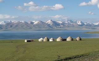 Resultat d'imatges de iurta kirguizistan