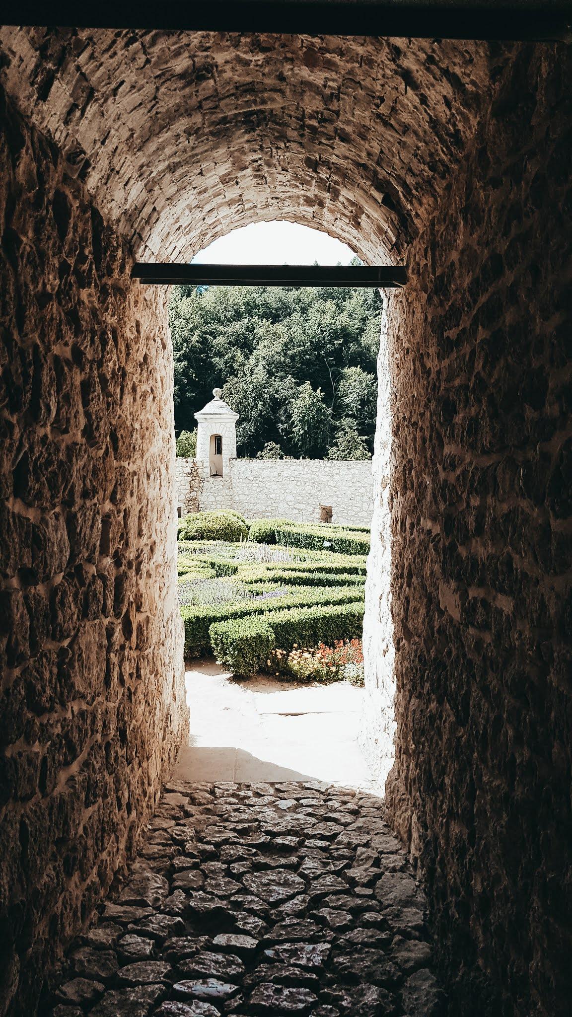 Zamek Pieskowa Skała ogród Włoski