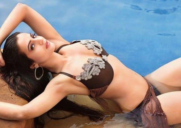 Ameesha Patel Sexy
