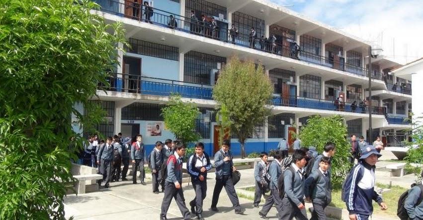 MATRÍCULA ESCOLAR 2017: Contraloría lanza campaña para supervisar procesos en 120 colegios