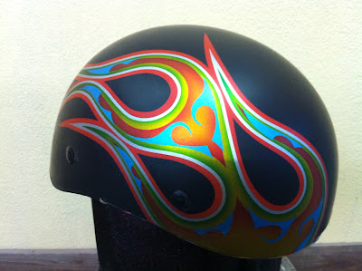 597442859 - カスタムペイント工程  ダックテールヘルメット 奈良フレイムス
