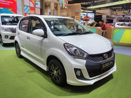 Mobil Daihatsu Sirion