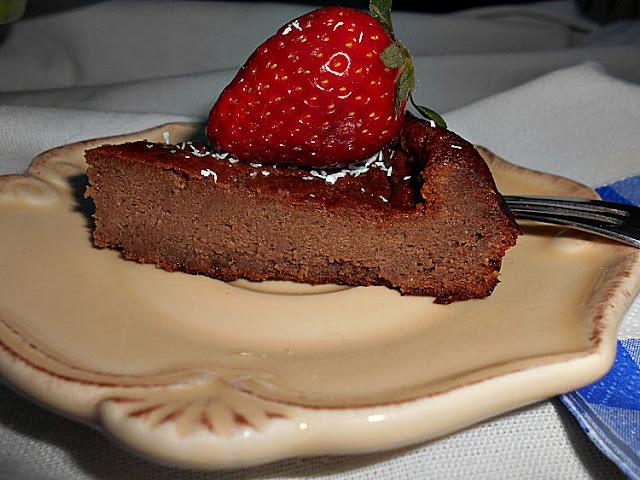 bolo de chocolate sem acucar e sem gluten