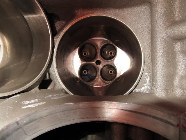 Harley-Davidson VR1000 Combustion Chamber