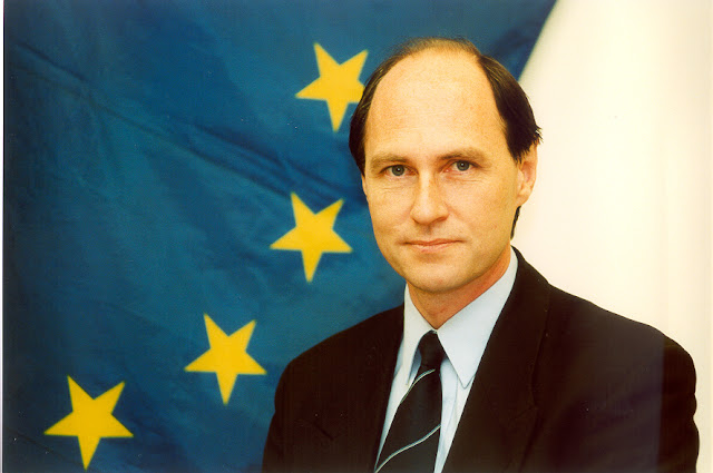 Mr. Brian Toll, Senior Policy Adviser, DG Education & Culture, European Commission, Brussels