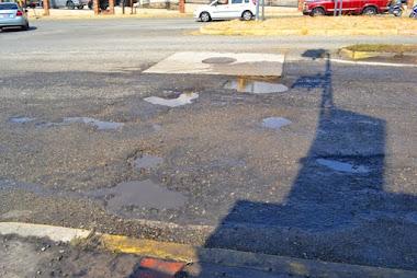 Aguas de Mérida debe arreglar botes que afectan el pavimento de la ciudad