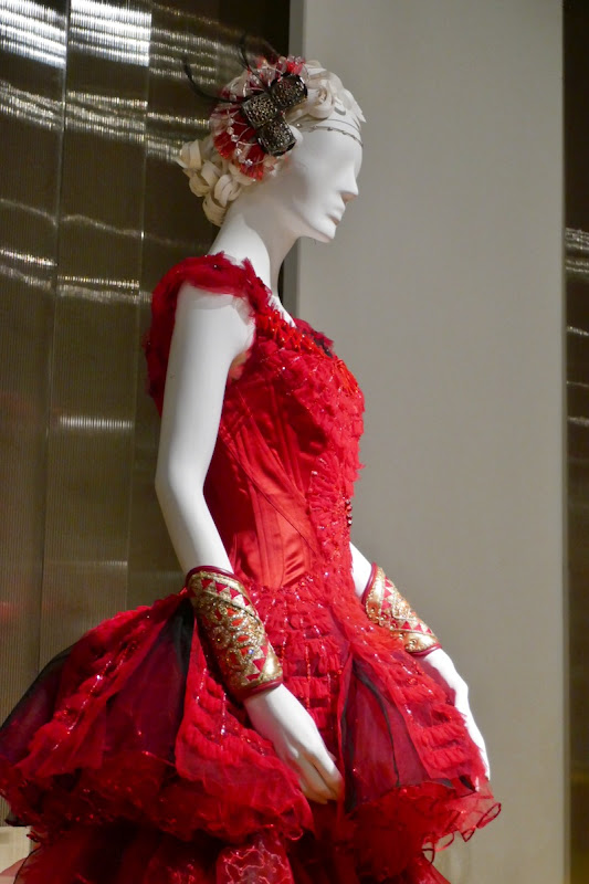 Eva Green Dumbo Colette Marchant costume