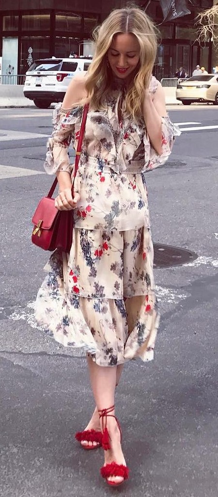 amazing outfit: bag + heels + printed dress