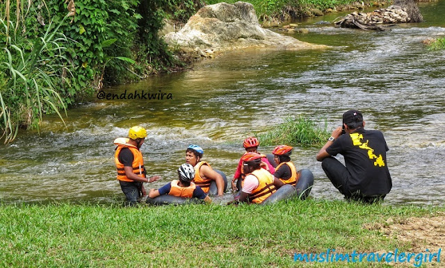 river tubing, menginap di malaysia