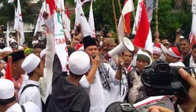 Takut Dibilang Melanggar Hukum, Ahmad Dhani Kembali Laporkan Projo Ke Polisi