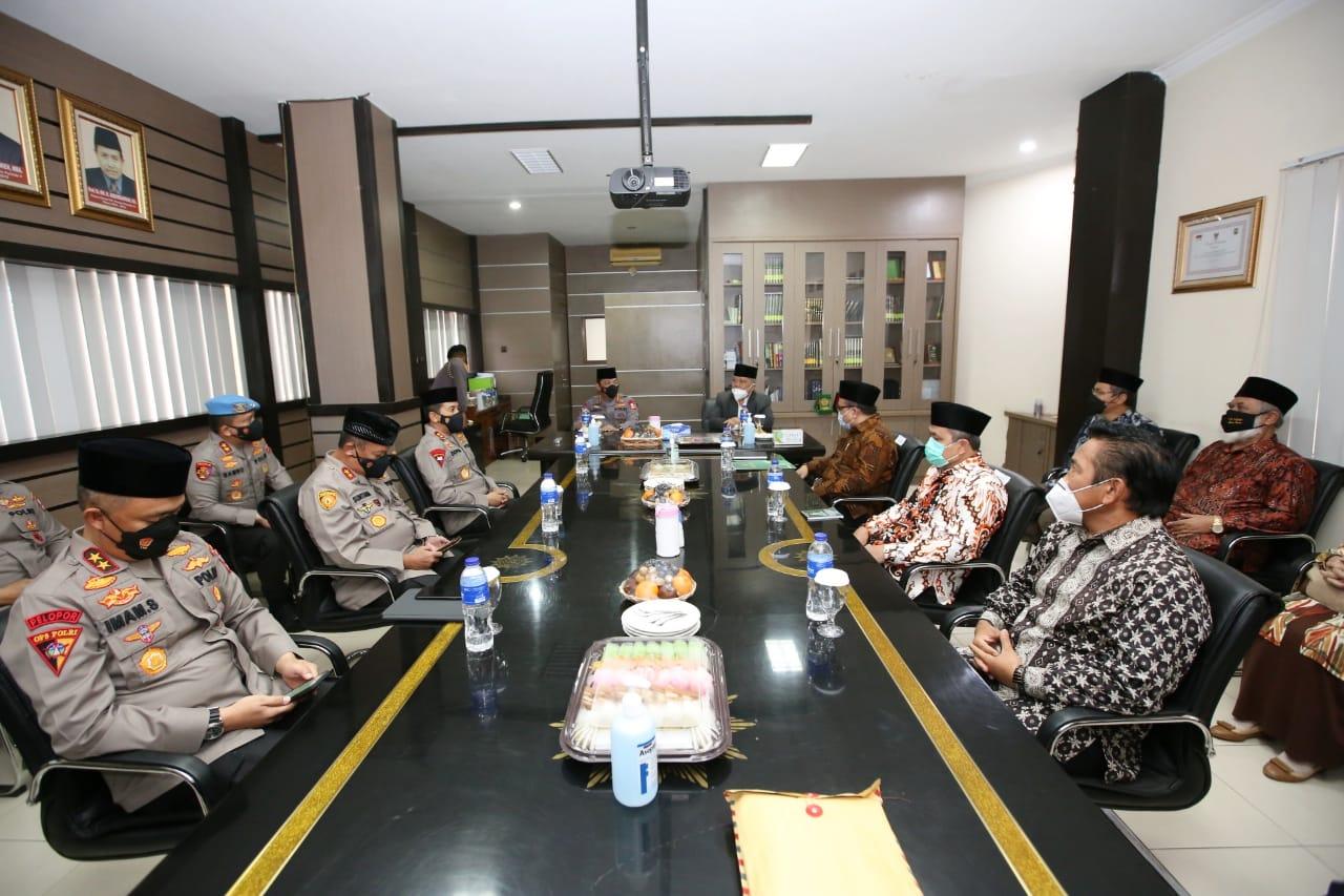 Silaturahmi ke Markas Persis di Bandung, Ini yang Dibahas Kapolri