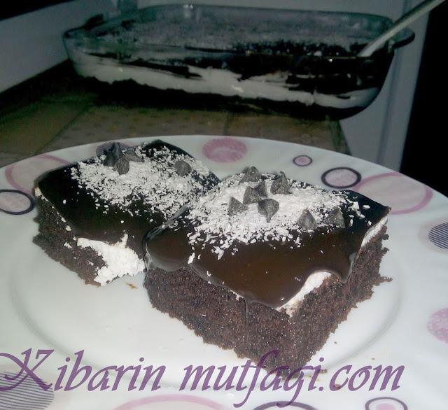 Ağlayan kek tarifi için tıklayın  Ebruli kek tarifi için tıklayın  Muz pudingli dolgulu kek tarifi için tıklayın   İrmikli sultan lokumu tarifi için tıklayın