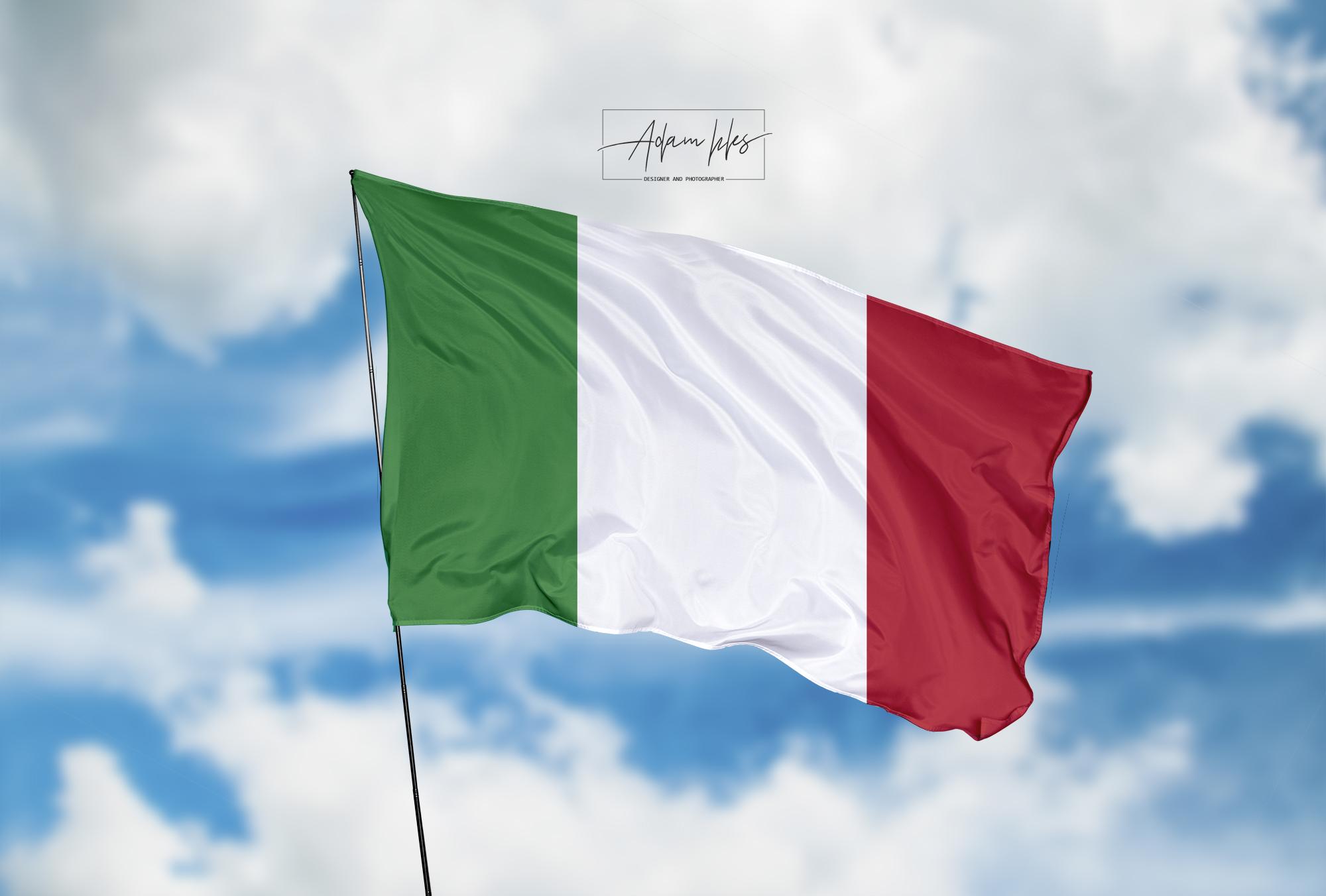 تحميل اجمل خلفية علم ايطاليا يرفرف في السماء - اجمل خلفيات ايطاليا الرائعة