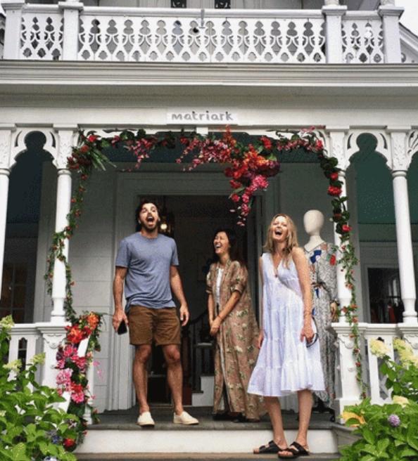 Moda : Brasileira faz sucesso nos Hamptons com multimarcas feminista