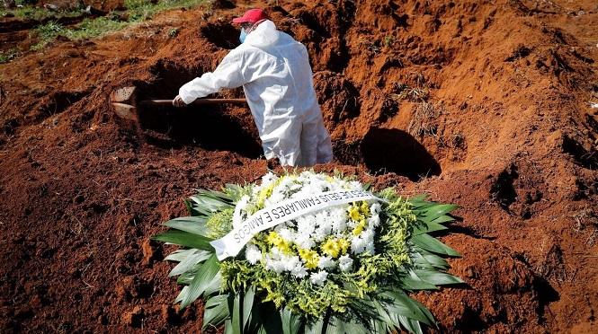 Colapso en San Pablo por el coronavirus: hay entierros hasta de noche