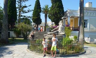 Jardines del Palacio Archillion.
