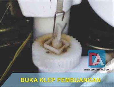 masalah air pembuangan mesin cuci mampet