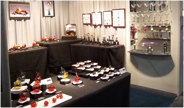 Know the most useful jewelry display for trade shows