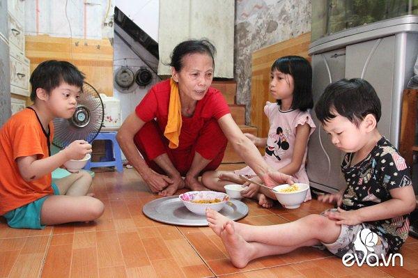 3 đứa trẻ không được đến trường, không được khai sinh giữa Hà Nội