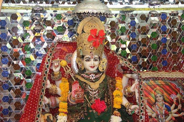 Meri Akhiyon Ke Samne Hi Rehna O Sherawali Jagadambe - मेरी अँखियो के सामने ही रहना ओ शेरो वाली जगदम्बे