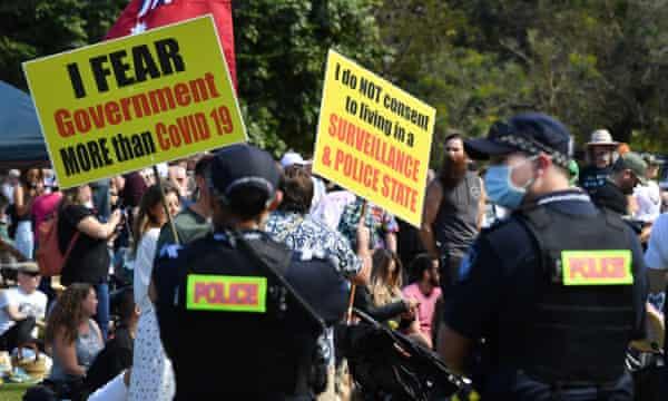 Tolak Lockdown, Massa di Australia Bentrok dengan Polisi