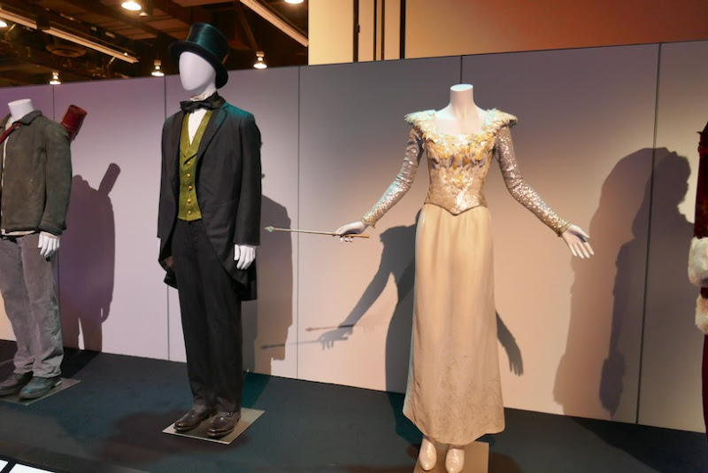 Oz Great and Powerful film costumes