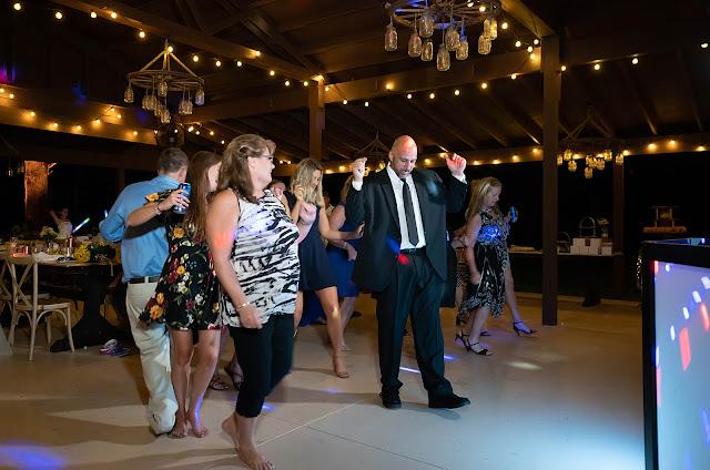 Dancing fun Magnolia Manor Wedding Photos by Stuart Wedding Photographer Heather Houghton Photography
