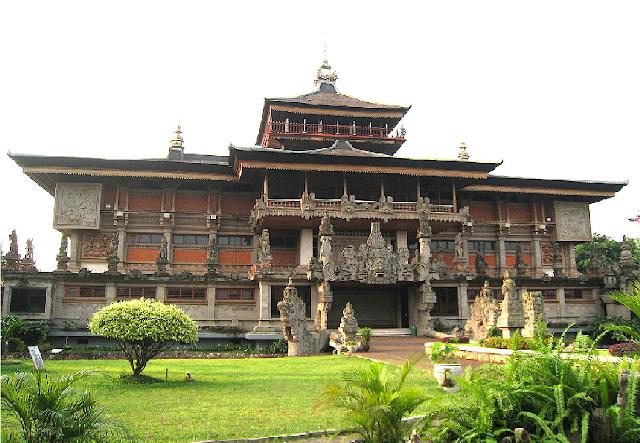Rumah Adat Bali Beserta Gambarnya