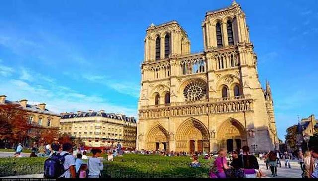 Bangunan Ikon Dunia Notre Dame de Paris