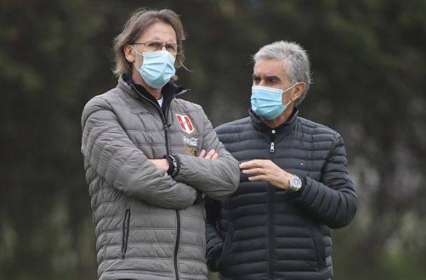 Selección peruana: Oblitas asegura que Gareca se siente mortificado