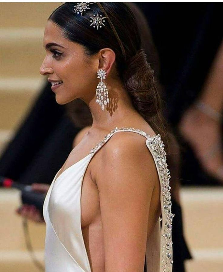 Deepika Padukone Backless Gown For 2017 Met Gala Krazy