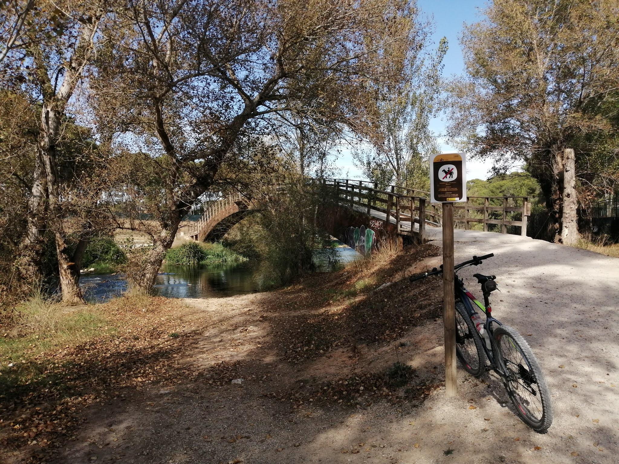 Bridge over the River Turia at la Presa, Valencia