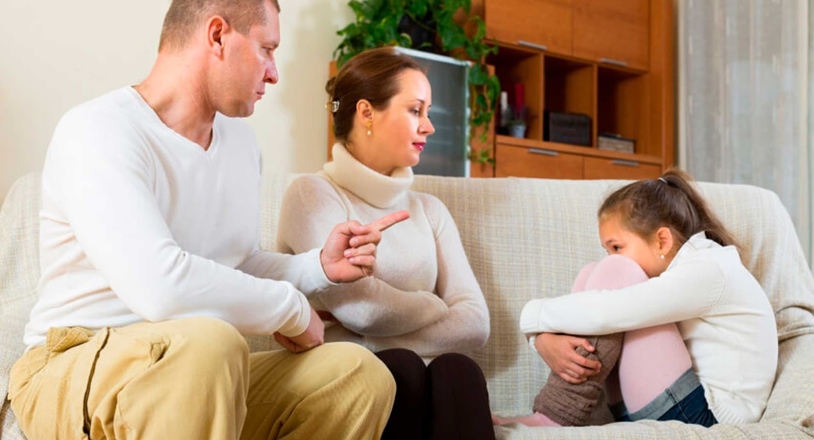 10 Frases que NUNCA debes decirle a tus hijos. Podrías arruinarles la vida