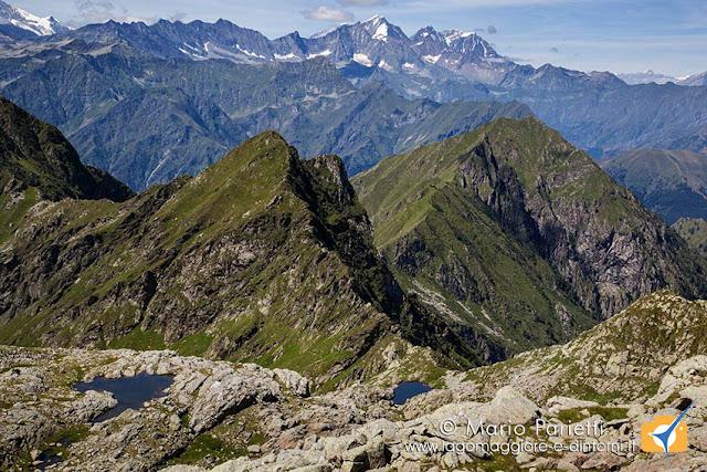Panorama dalla bocchetta sotto la cima Capezzone