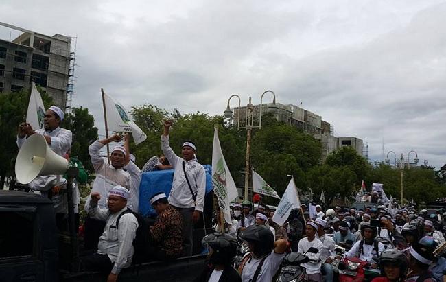 berita terbaru ribuan ormas Islam Aceh demo pelecehan Islam oleh Ahok