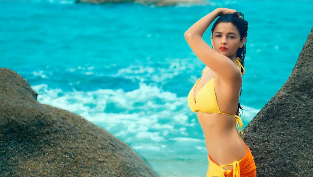 Sexy Look Alia Bhatt HD Wallpapers