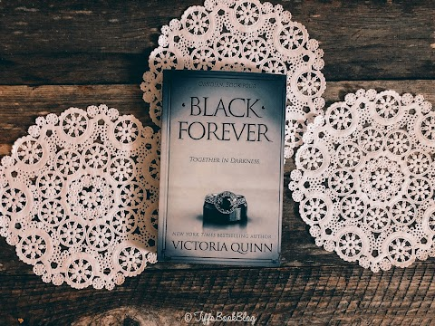 Review: Black Forever by Victoria Quinn