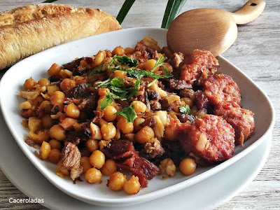 Ropa vieja de cocido madrileño o carne mechada