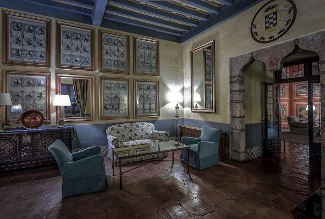 Estancias del Castillo Palacio de los Condes de Oropesa :: Canon EOS5D MkIII | ISO100 | Canon 17-40@19mm | f/13 | 20s (tripod)
