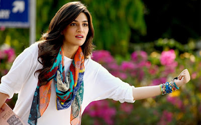 actress kriti sanon image