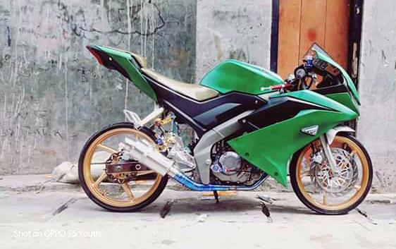 Modifikasi Honda Sonic 150 Full Fairing Ala R15 V3