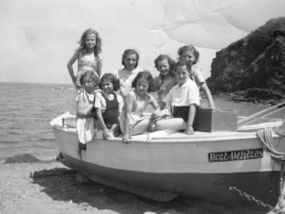 Classe de filles de Mme Galy, 1949 (l'Indépendant)