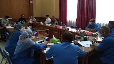 Dirut Khairul Ikhwan Akui PAM Tirta Sago Minim Debit Air Saat Raker Komisi B DPRD