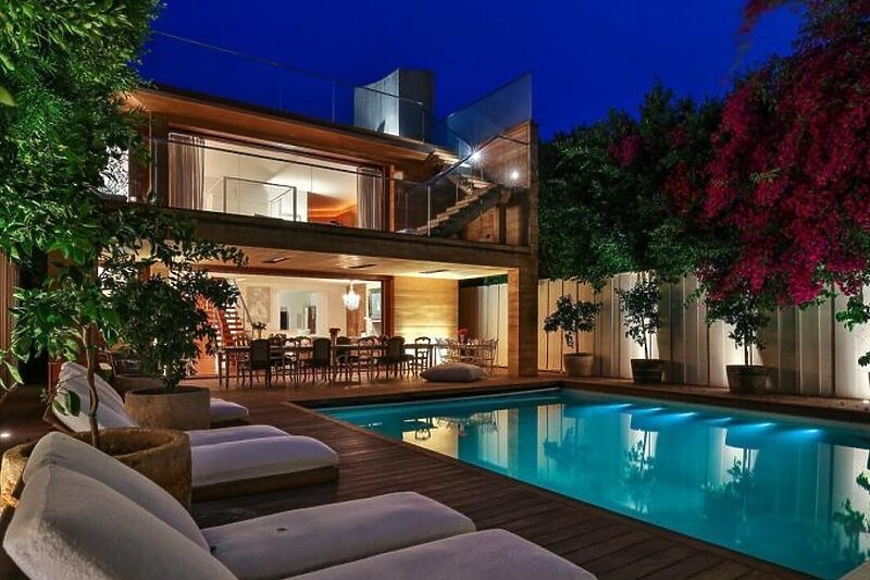 Pamela-Anderson_klix_lifestyle_magazin_uredi-dom_celebrity_slavni_luksuz