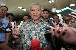 Cerita Ngabalin: Menantang 'Pak Tua' Amien, Diserang Balik PAN