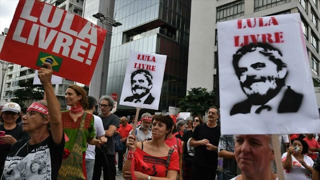 Chosmky prevé libertad para Lula y consiguiente honor para Brasil