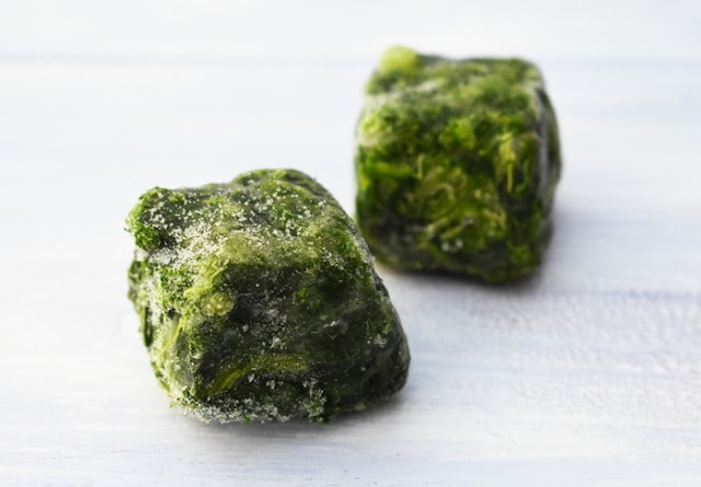 2 cubes of frozen spinach